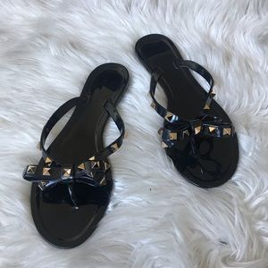Black bow Jelly thong sandals